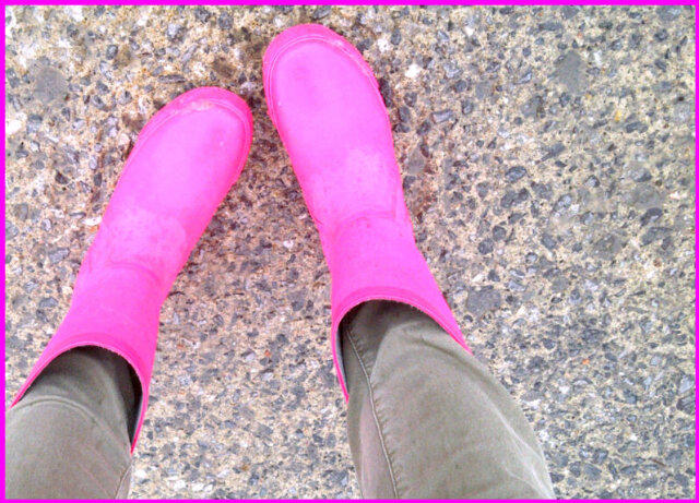 (pink boots)